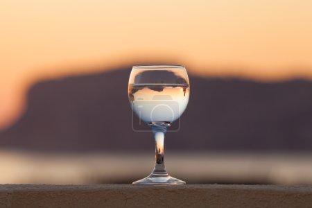 白葡萄与思考的玻璃房子和查看到可好看